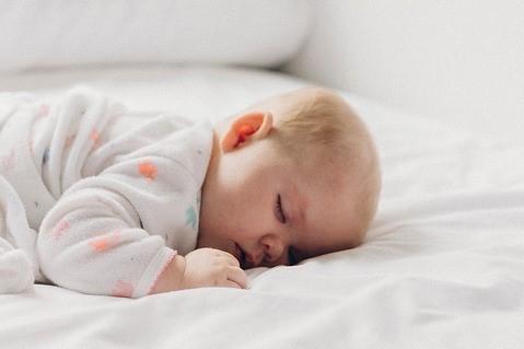 Comédie du coucher : Comment faire dormir mon enfant rapidement